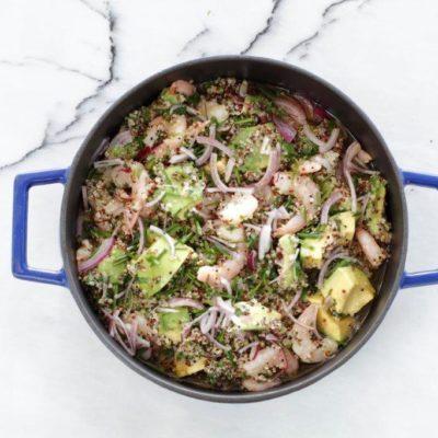 Kinoa'nın lezzetini avokado ve karidesle birleştirdik